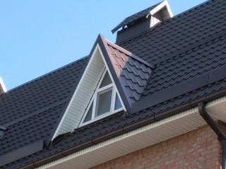 Слуховое окно - выразительный элемент мансардной крыши