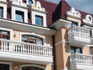Как украсить фасад дома в стиле «классик»?