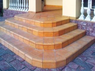 Как постелить пол на террасе: бетонная плитка