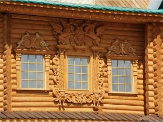 Украшение деревянного фасада