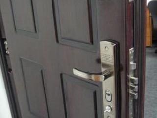 Повышаем надежность металлических дверей