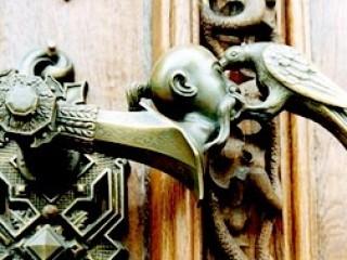 Входная дверь - стиль или надежность?