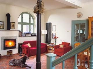 Керамическая плитка на полу в гостиной. Рекомендации дизайнеров